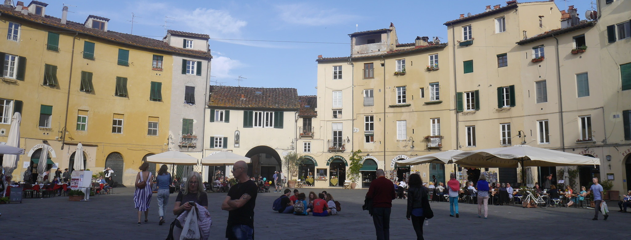 Anyone who wants to can visit Lucca. We'll show you all the sights.