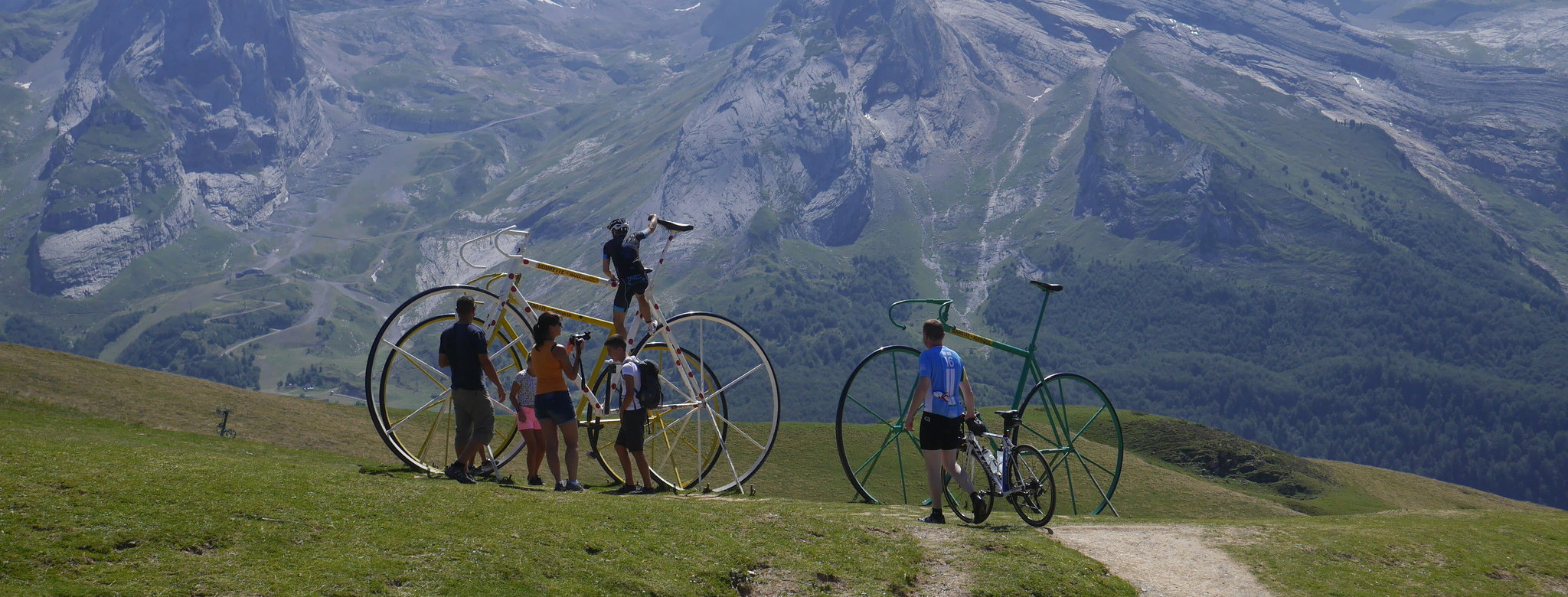 Tour thrills on the Aubisque.